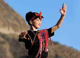 Ryukyuan, Ainu People Genetically Similar